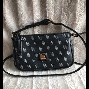 ⭐️Dooney & Bourke Lexi Crossbody Black & White⭐️